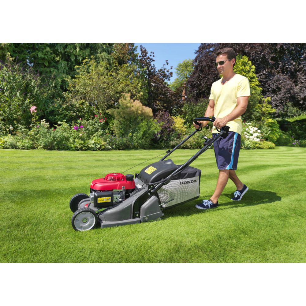 HRX 426 QX 42CM Single Speed Rear Roller Petrol Mower